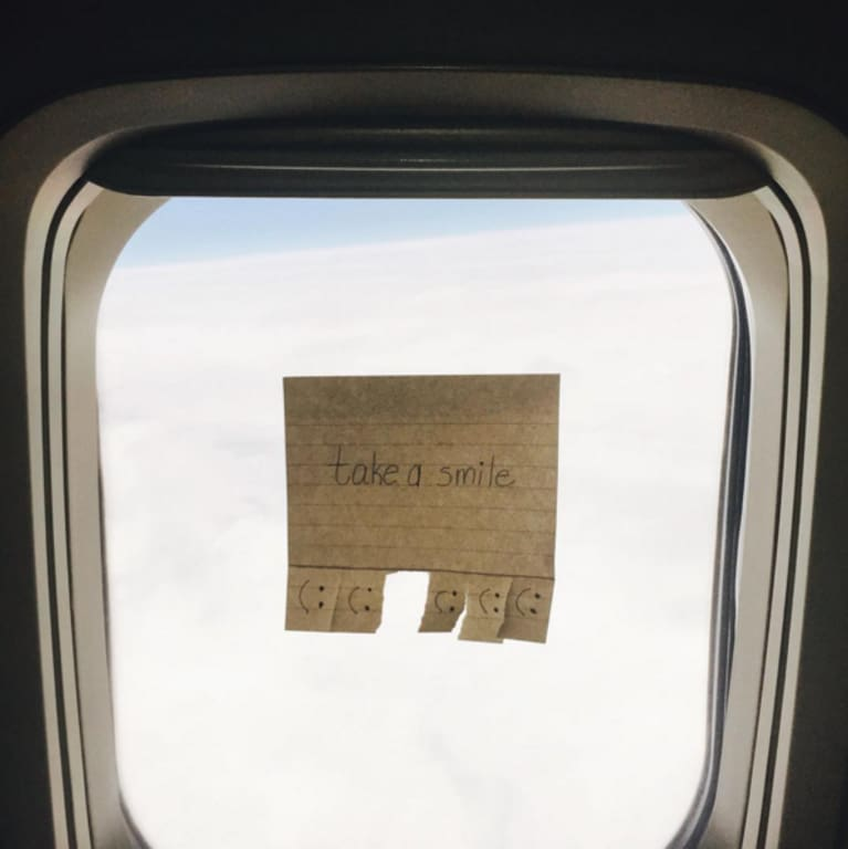This American Airlines Flight Attendant Inspires Her Passengers With Tiny Window Notes