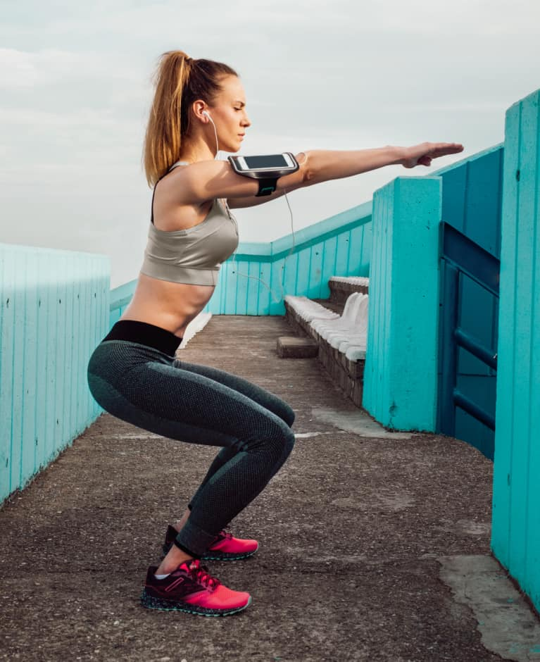 These 6 Workout Mistakes Might Be Giving You Back Pain: An Exercise Physiologist Explains