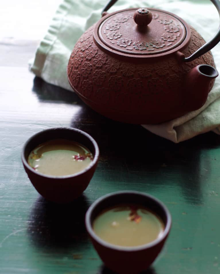 Detoxifying Tea Blends For Healthy Skin, Digestion & Energy