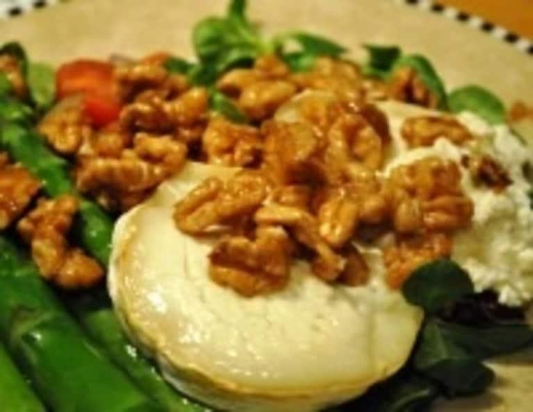 Caramelized Walnut & Goat Cheese Salad