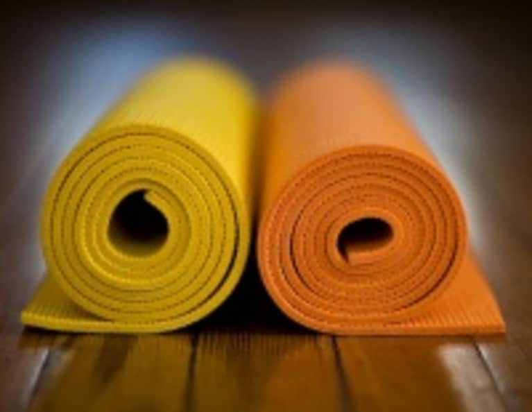 All-Natural Yoga Mat Cleaning Recipe