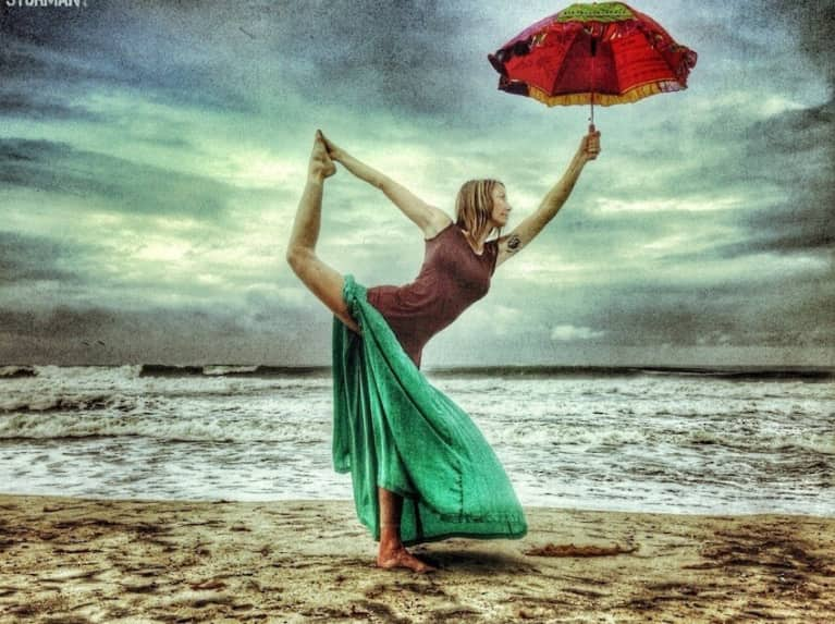 Incredible Yoga Photos You Won't Believe Were Taken With A Cellphone