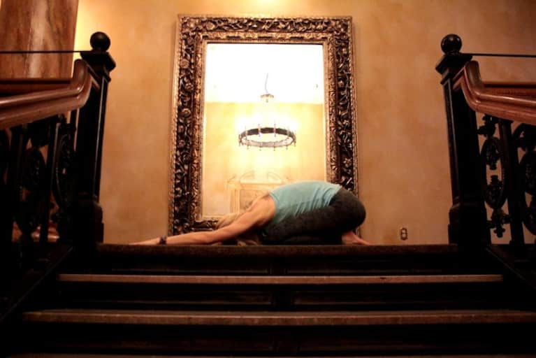 10-Minute Yoga Sequence For A Strong & Flexible Spine