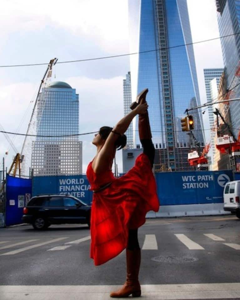 Yoga In The Streets Of New York City (Stunning Slideshow)