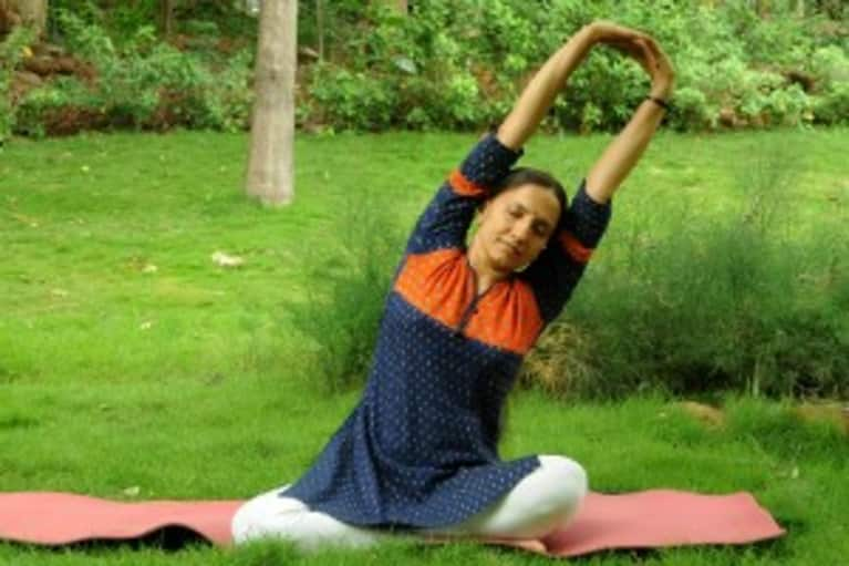 Dealing With Back Pain? Try These Simple Stretches