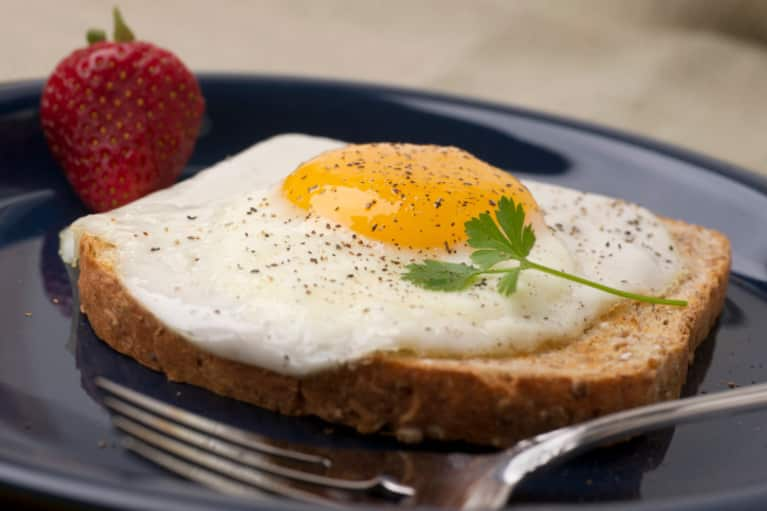 10 Things Nutritionists Eat For Breakfast