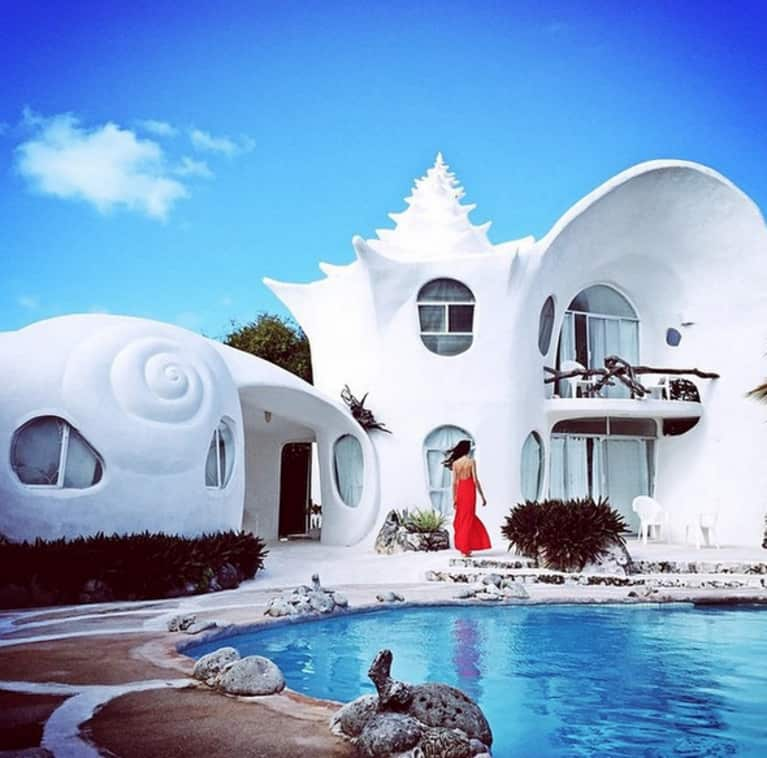 11 Photos Of The Most Insane Airbnb Destinations Around The World