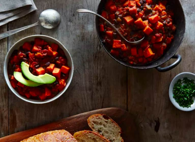 7 Healthy Chili Recipes You'll Want To Try This Fall