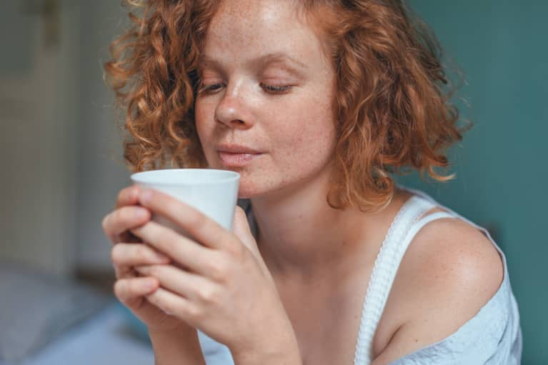 Here's The Best Way To Clean Your Coffee Mug + A Stain-Removing Hack