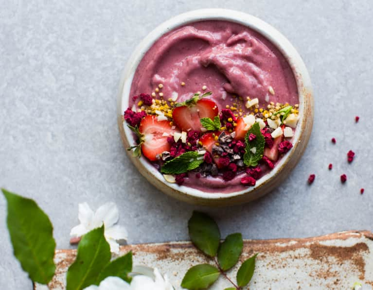 The Ultimate Guide To Making Healthy Smoothies For Any Season