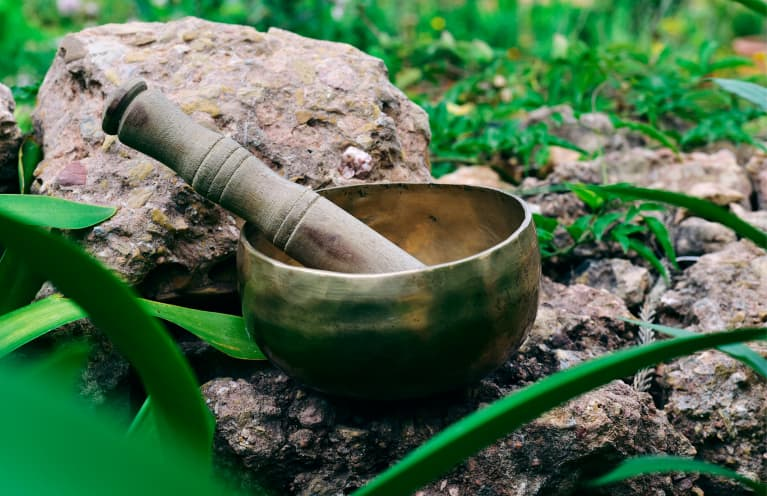 How Sound Baths Are Revolutionizing Healing + How To Try One For Yourself