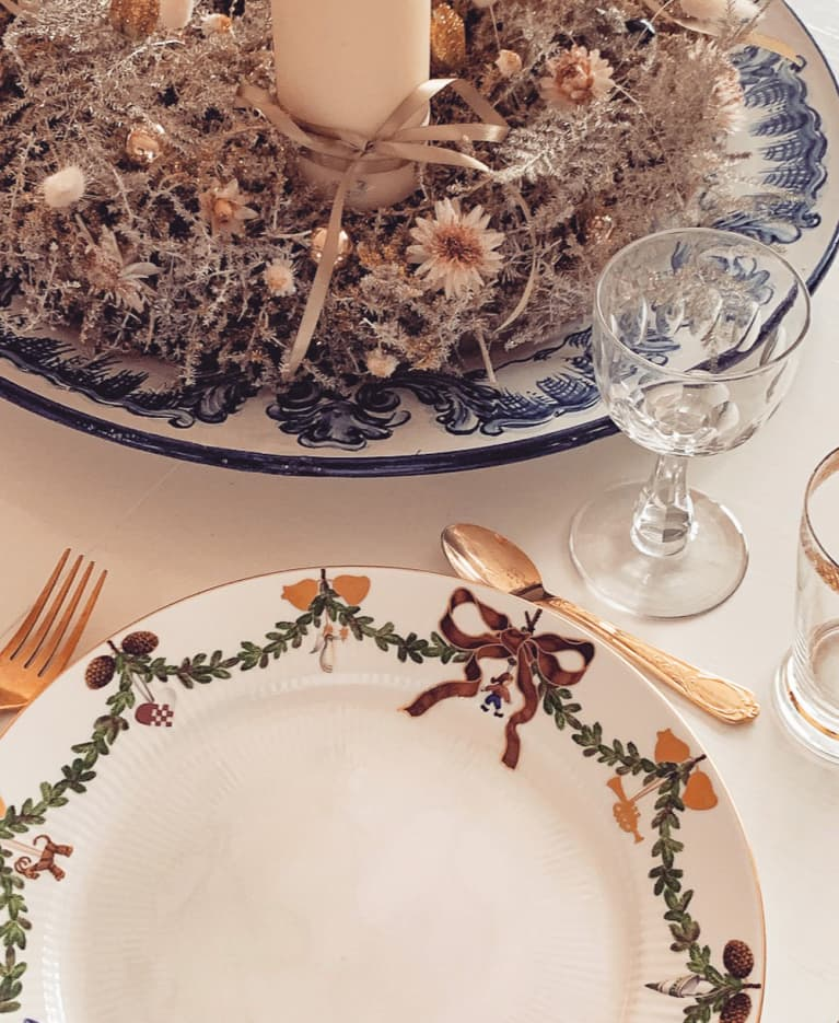 Cozy Holiday Dinner Table Setting