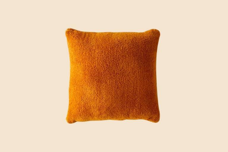 <p>Sherpa Throw Pillow</p>