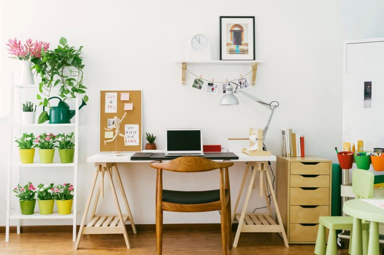 The Essential Elements Of A Productive Workspace (According To A Feng Shui Healer)