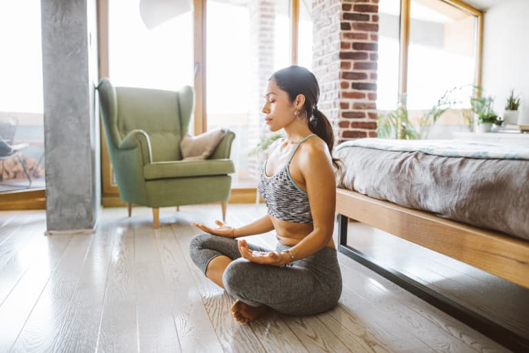 The Real Reason You Get Antsy During Meditation, From A Psychologist