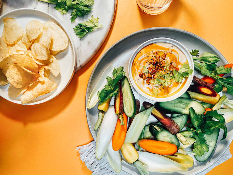This Creamy Buffalo Dip Will Be The Star Of Your Snack Platter