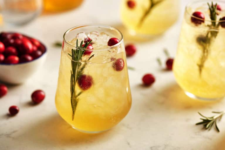 This Turmeric Cocktail Will Make Your Skin Glow & It's Pure Fall Magic
