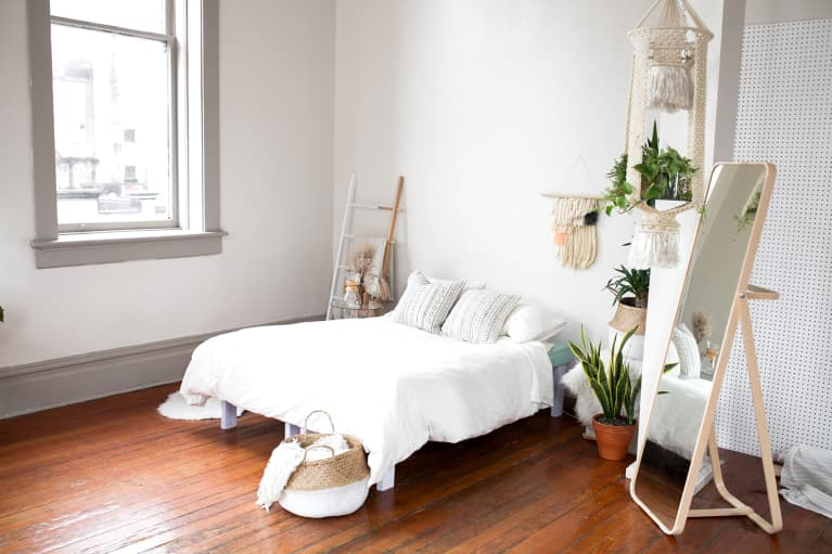 6 Gifts That Give Your Bedroom New Life, According To A Feng Shui Expert
