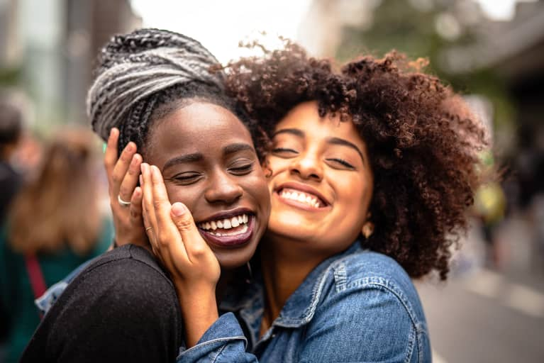 "11 Qualities Of A Good Friend & The Types Of ""Friends"" To Avoid"