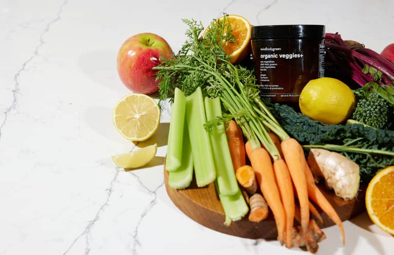 The Easy-To-Use (& Easy-To-Clean!) Juicer Our Health Editor Swears By