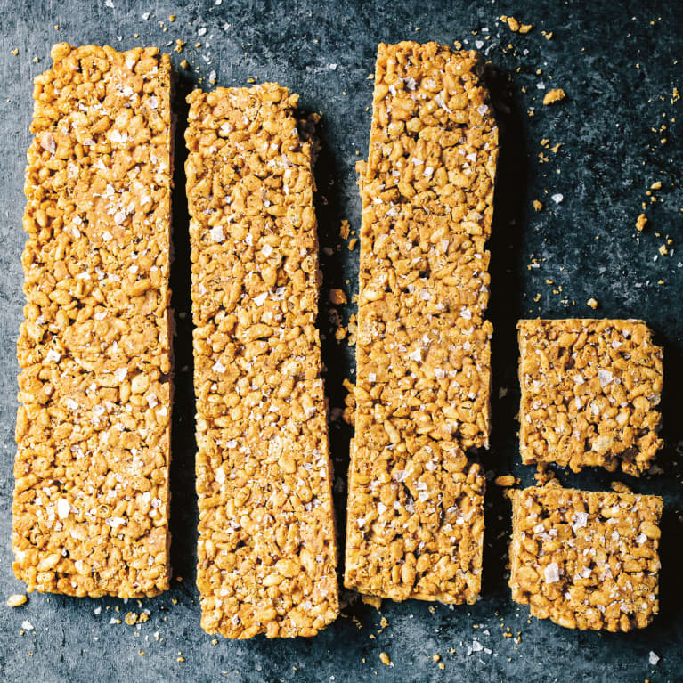 These Salted Nut Butter Rice Crispy Treats Are Low-Sugar & Delicious