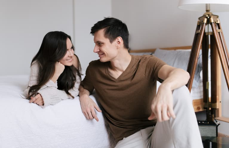 How Soon Is Too Soon To Move In Together? 8 Signs To Look For