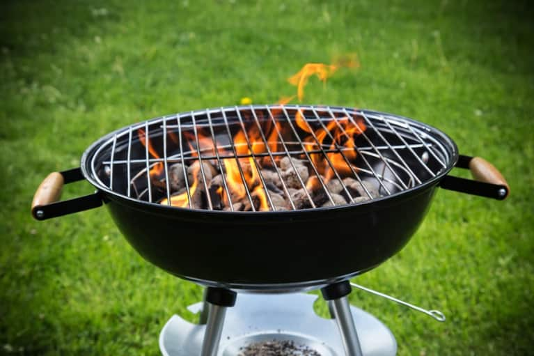 Here's How To Avoid Carcinogens When You're Grilling