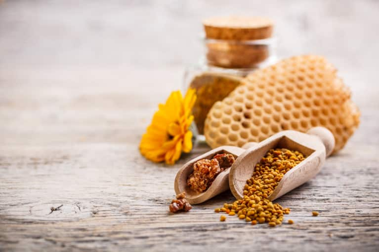 How Bee Pollen Could Treat Your Allergies