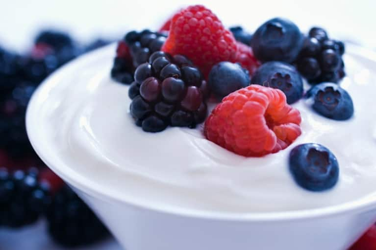 DIY Beauty: Honey Yogurt Berry Radiance Mask
