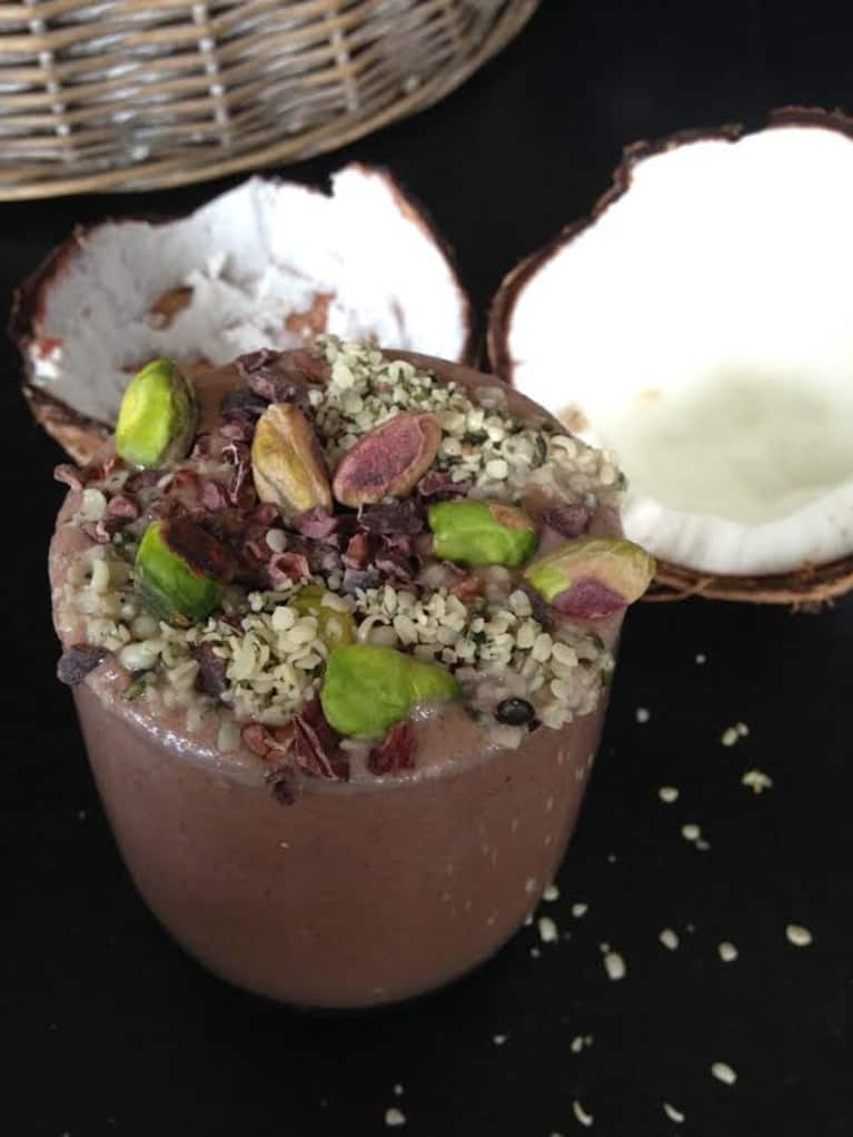 5-Minute Cacao & Superfood Smoothie