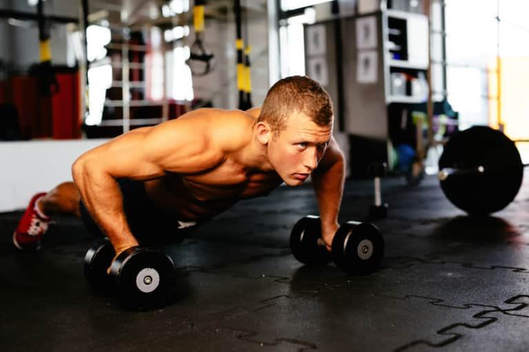 6 Signs You Need To Drop What You're Doing & Try CrossFit