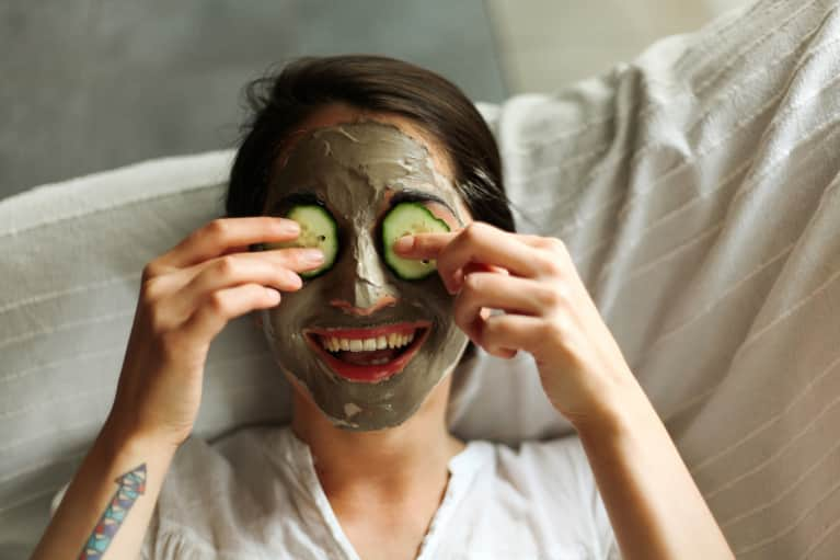 A Cucumber, Aloe + Parsley Mask To Soothe Skin & Reduce Redness