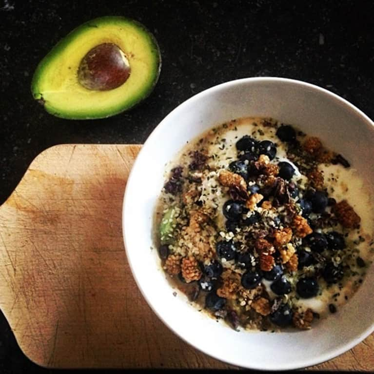 5-Minute Fiber-Packed Breakfast Bowl