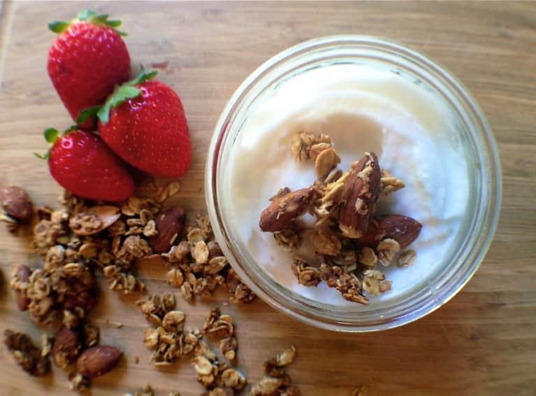 Raw Recipe: A Coconut Yogurt Your Gut Will Love