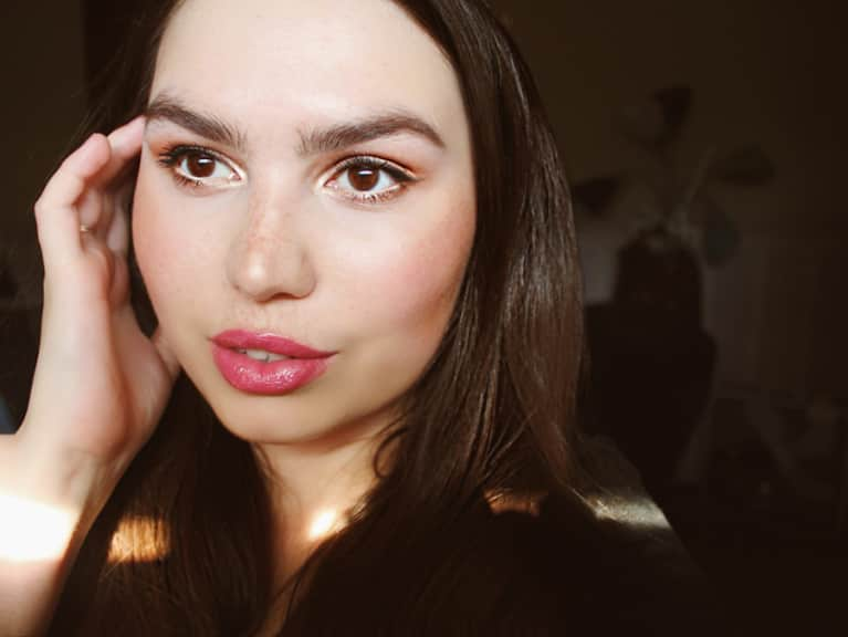Natural & Nontoxic Makeup Tips For The Perfect Fall Glow