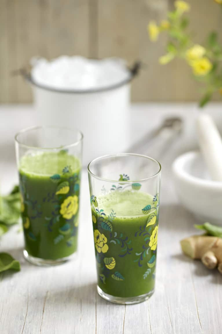 Spicy Ginger-Pineapple Green Juice