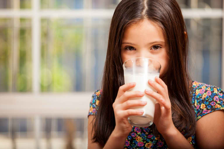 4 Signs Your Child Has A Dairy Sensitivity