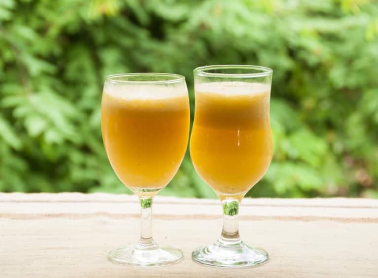 Anti-Inflammatory Lemon-Turmeric Tonic