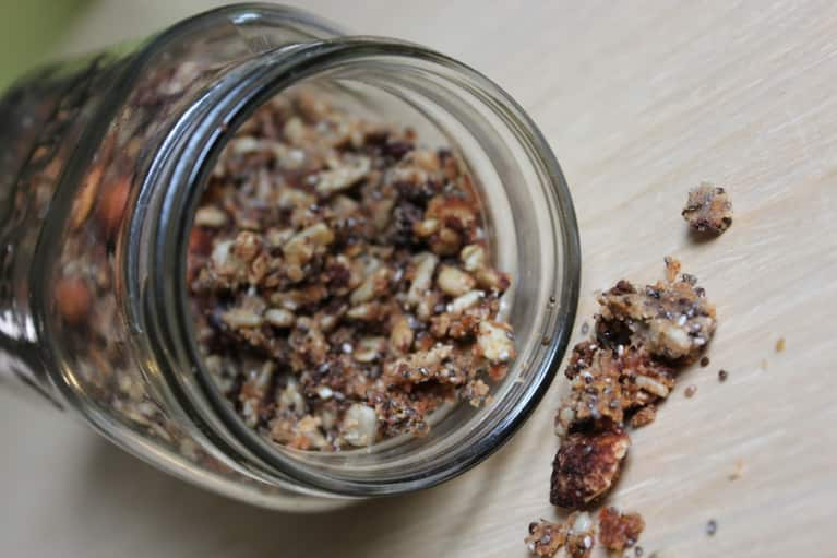 Sweet & Easy Paleo Granola (Vegan, Grain-Free!)