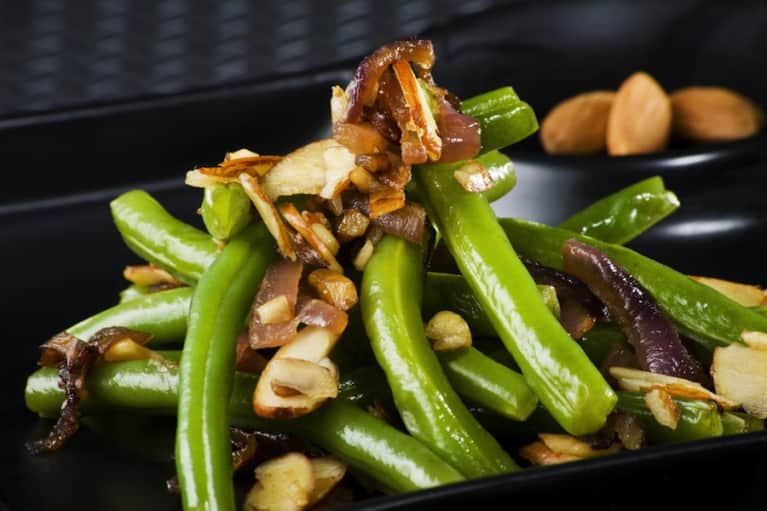 Green Beans With Mushrooms & Almonds