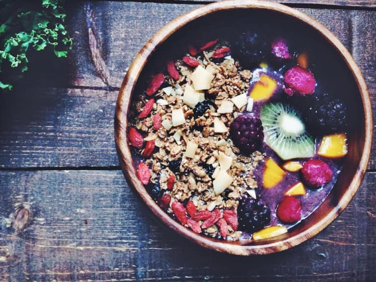 Berry & Kale Superfood Breakfast Bowl