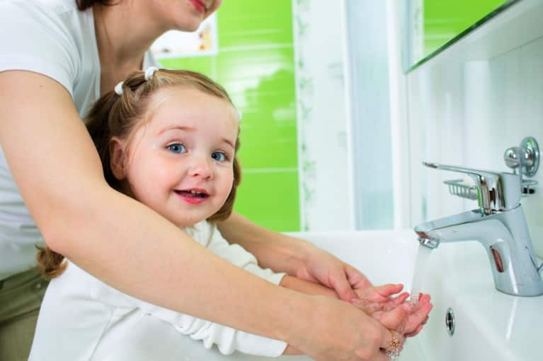 DIY: Make Your Own Natural Hand Sanitizer