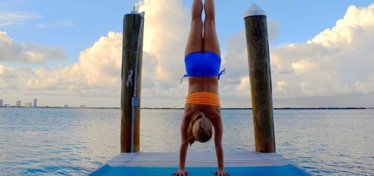How To Build Strength To Do Handstand (Video)
