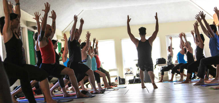 """How To Be An Authentic Yoga Teacher (And Avoid The """"Yoga Voice"""")"""