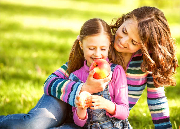 6 Tips To Help Kids Have A Healthy Relationship With Food