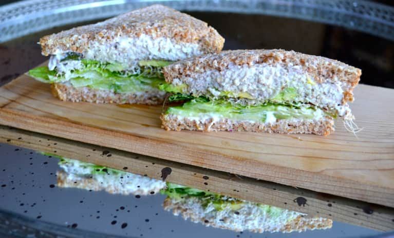 "A Vegan ""Tuna Salad"" Sandwich That Won't Stink Up The Office"