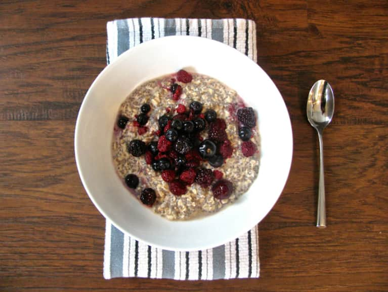 Perfect Weekday Breakfast: Overnight Oat + Chia Pudding