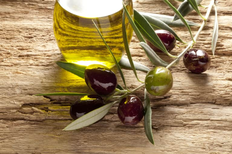 9 Awesome Ways To Use Olive Oil (That Have Nothing To Do With Food)