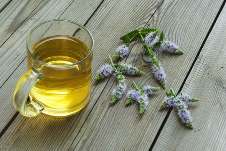 7 Simple & Natural Remedies For Seasonal Allergies