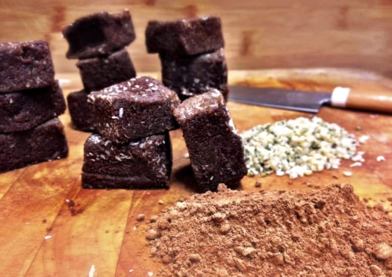 Protein-Packed Raw Chocolate Brownies (Super Easy!)